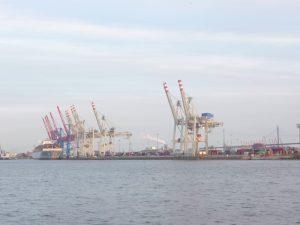 Mathilde-mag-die-Hafenkräne-in-Hamburg-1-1000x750